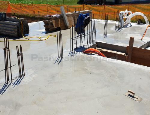 Pasivna hiša R – Izvedba kleti – Nega betona po betoniranju